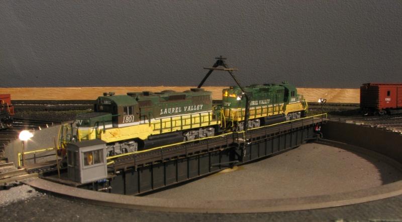 N gauge turntable for Heljan roundhouse - Model Railroader